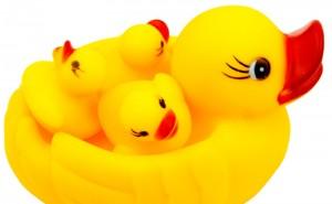 4ピース-ロットスクイズ響き風呂のおもちゃシャワーフローティングきしむイエロープラスチックアヒル赤ちゃんのおもちゃ浴室brinquedos-py001